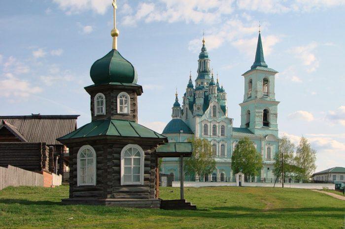 Нижняя Синячиха: музей Чайковского и музей деревянного зодчества для школьников