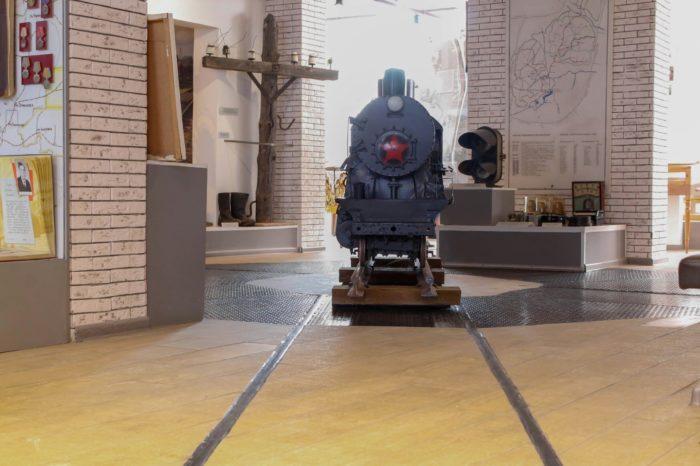 Алапаевск: музей Романовых, катание по узкоколейке