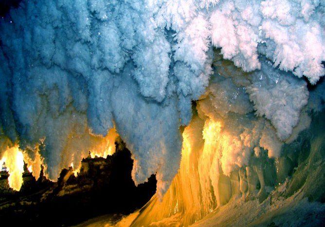 Кунгурская Ледяная пещера c лазерным шоу