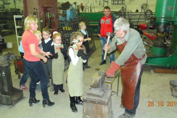 Экскурсия на кузнечное производство для школьников